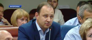 Запорожский депутат задекларировал покупку «Нивы», моторную лодку и Volkswagen для супруги