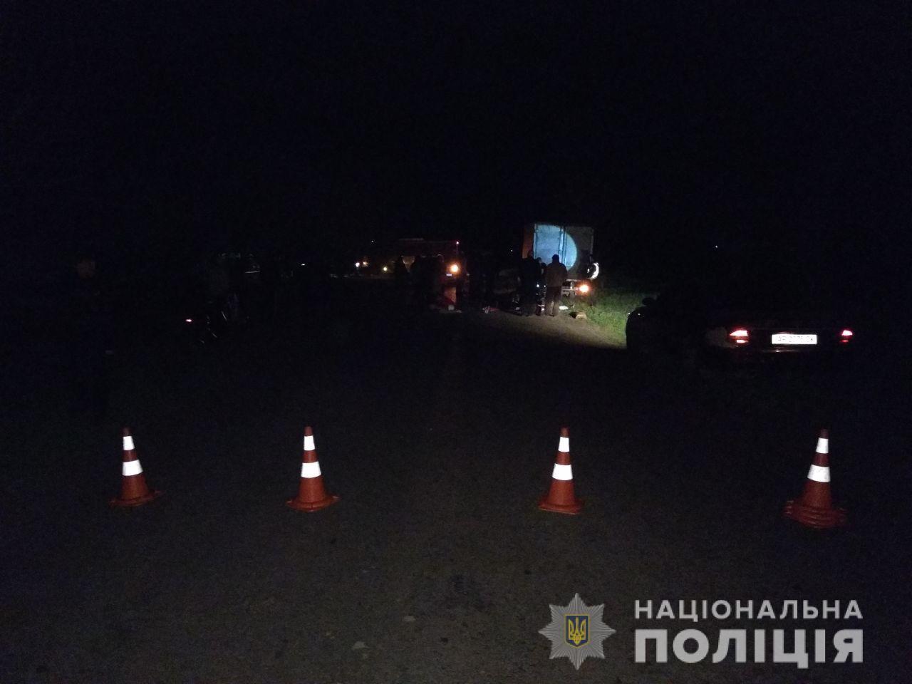 В Запорожской области мотоцикл врезался в грузовик: двое погибших - ФОТО