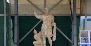Археологи нашли гигантскую статую римского императора - ФОТО