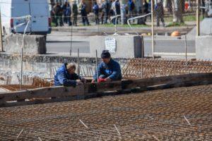 Реконструкция путепровода на Металлургов: работы завершат в июне - ФОТО