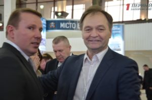 Бердянский нардеп Александр Пономарев купил автомобиль Mercedes-Benz и скопил полмиллиона гривен наличности