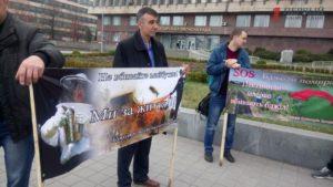 В Запорожье пчеловоды вышли на митинг под стены облгосадминистрации с требованием прекратить травлю пестицидами - ФОТО