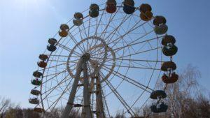 В запорожском парке «Дубовая роща» проводят реставрацию аттракционов - ФОТО