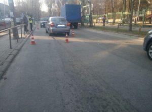 В Запорожье возле школы водитель сбил 10-летнего ребенка – ФОТО