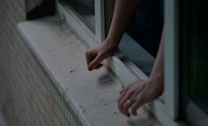 В Запорожье мужчина разбился насмерть, выпрыгнув с балкона высотки