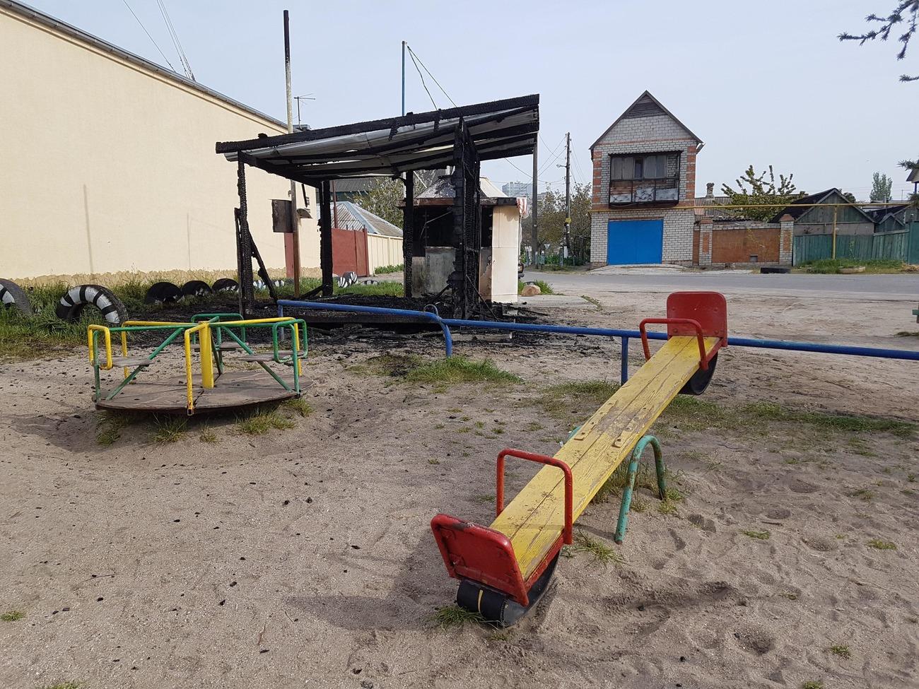 В Запорожской области ночью сожгли два киоска - ФОТО