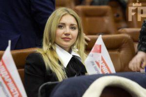 Запорожский депутат задекларировала доход в 17 миллионов гривен и корпоративные права на семь фирм