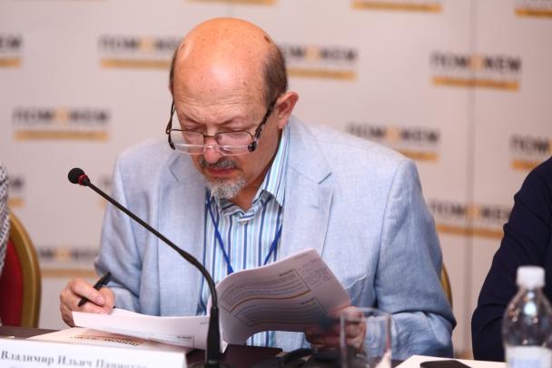 Владимир Паниотто - Фонд Рината Ахметова создал научный подход помощи людям