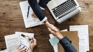 Запорожские работодатели официально оформили более 2 тысяч