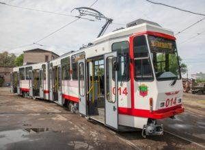 В Запорожье на линию вышли два новых трамвая - ФОТО