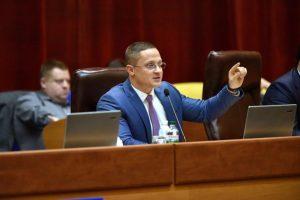 В Запорожье суд закрыл дело замглавы облсовета, который в день выборов выложил в сеть заполненный бюллетень