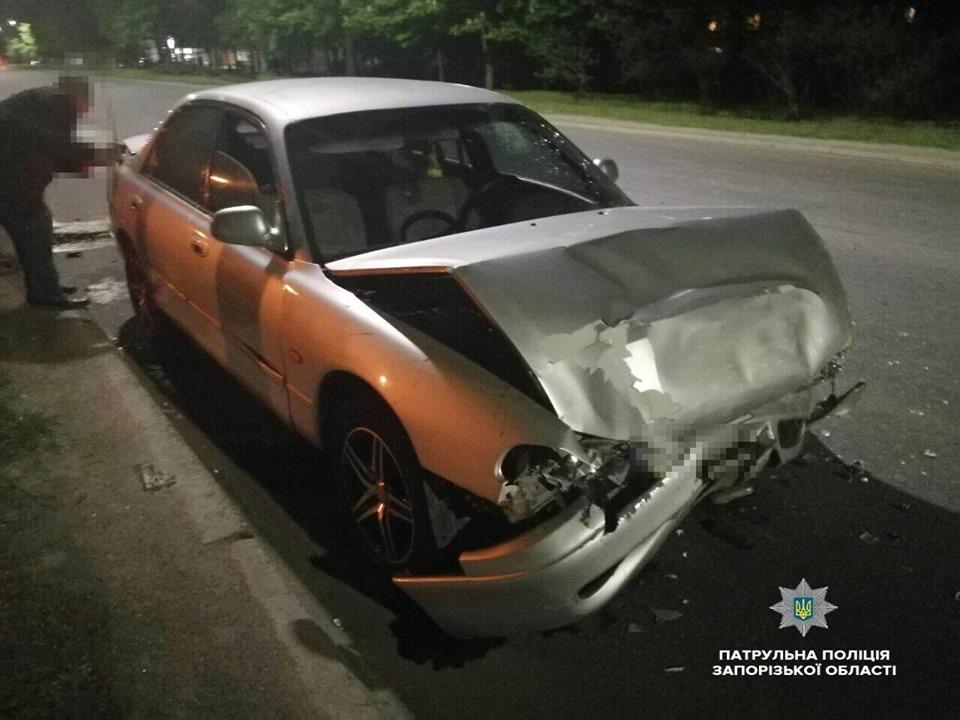 В Запорожье пьяный водитель «Мазды» спровоцировал ДТП – ФОТО