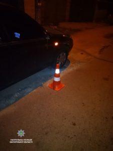 В Запорожье пьяный водитель врезался в припаркованное авто и скрылся с места ДТП – ФОТО