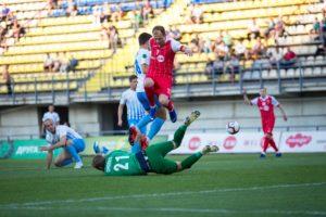 Запорожский «Металлург» одержал победу над горностаевским «Миром» и получил шанс сыграть в Первой лиге