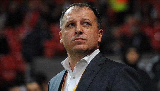 Известный экс-игрок запорожских команд «Торпедо» и» Металлург» Юрий Вернидуб покинул тренерское кресло «Зари»