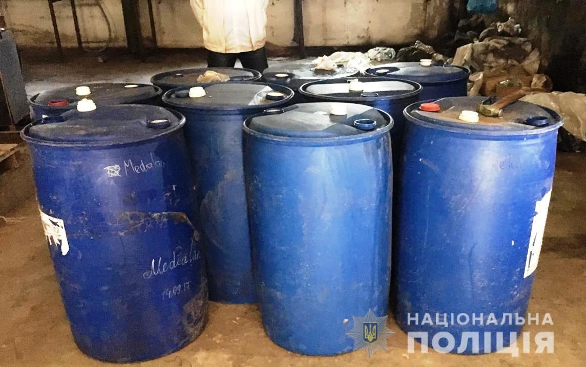 В Запорожской области изъяли 2 тысячи литров незаконного спирта стоимостью 110 тысяч гривен - ФОТО