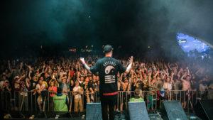 The Chainsmokers, Black Eyed Peas и Том Уокер: стали известны хедлайнеры самого популярного музыкального фестиваля Atlas Weekend