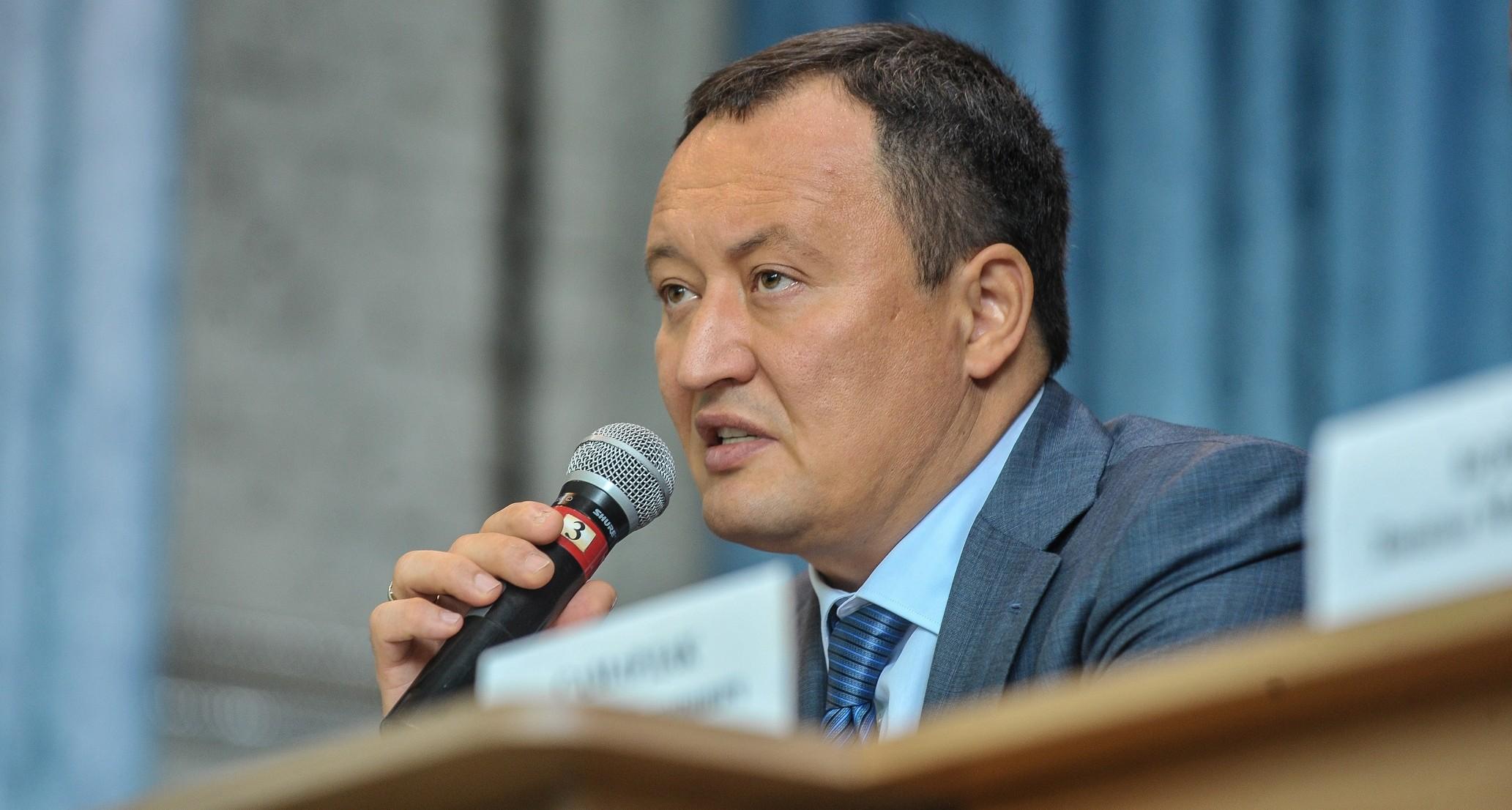 «Я офицер и привык выполнять приказы»: Константин Брыль заявил, что не намерен оставлять губернаторское кресло