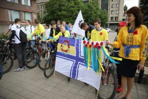 В Запорожье около 200 человек приняли участие в велоэстафете ко Дню Победы - ФОТО