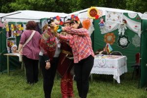 Мастер-классы, призы и колоритная кухня: в Запорожье проходит туристический фестиваль-ярмарка - ФОТО