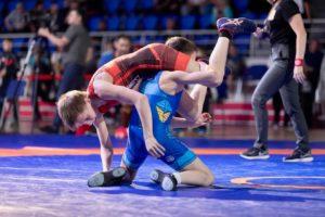 В Запорожье проходит чемпионат Украины по вольной борьбе - ФОТО