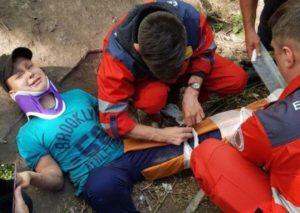 В Запорожье одиннадцатилетний мальчик упал с тарзанки в балку и травмировался
