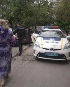 В Запорожье мужчина выстрелил в собаку на детской площадке – ФОТО, ВИДЕО