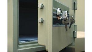 В Запорожье грабитель вынес из квартиры женщины более двух миллионов гривен
