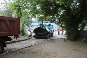 В Днепровском районе Запорожья ведется ремонт внутриквартальных дорог – ФОТО