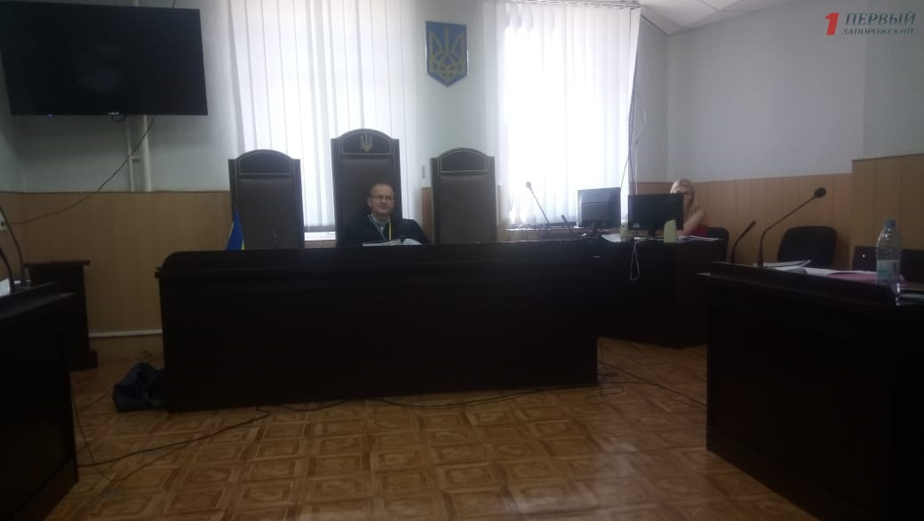 ЗТМК через суд требует компанию Фирташа выплатить 18,6 миллиона гривен долга за электроэнергию и провести модернизацию