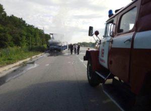 На запорожской трассе сгорел грузовой автомобиль - ФОТО