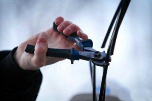 В Запорожской области будут судить двоих молодых парней за кражу кабелей «Укртелекома»