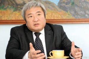 Бывший мэр Запорожья, которого обвиняют в злоупотреблении служебным положением, принял участие в съезде партии Кернеса-Труханова