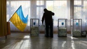 Жителі Запорізької області не поспішають змінювати місце голосування