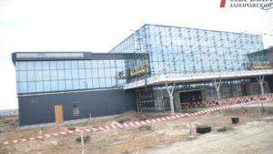 У запорізькому аеропорту повним ходом ведуться роботи з будівництва нового терміналу - ФОТО