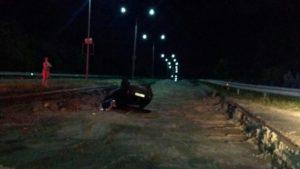 У Запоріжжі на трасі перекинувся автомобіль: водій був п'яний - ФОТО