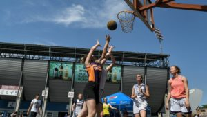 В Запорожье на центральном стадионе прошел турнир Streetball CUP - ФОТО