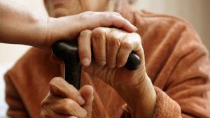 У Запорізькій області молодий хлопець пограбував 84-річну пенсіонерку та намагався сховатися