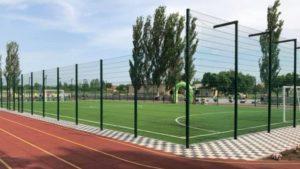 В запорожском селе открыли современную футбольную площадку