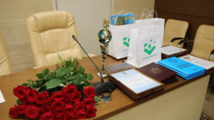 В Запорожье ко Дню молодежи наградили активистов и чиновников - ФОТО