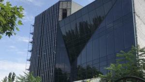 У Запорізькій області невідомі вночі обстріляли будівлю торгового центру - ЗМІ
