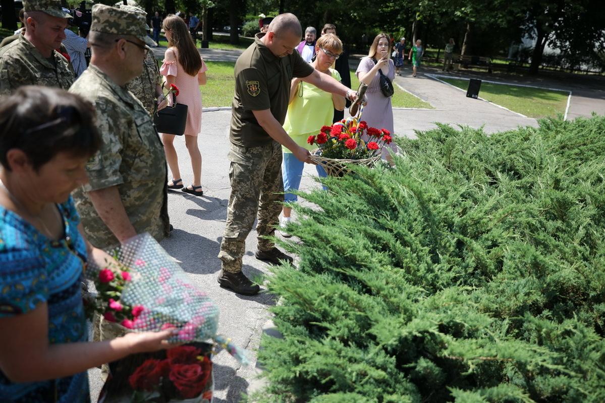 В Запорожье почтили память погибших участников АТО - ФОТО