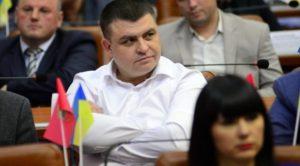 У Запоріжжі депутат, який входить в комісію з питань житлово-комунального господарства, заборгував за комуналку десятки тисяч гривень