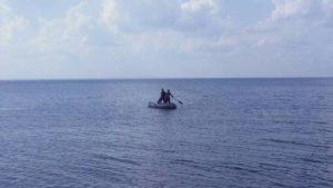На запорізькому курорті чоловіка та двох хлопчиків віднесло на човні у відкрите море
