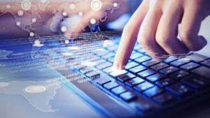 В один клик без очередей и взяток: Зеленский подписал указ о развитии электронных услуг
