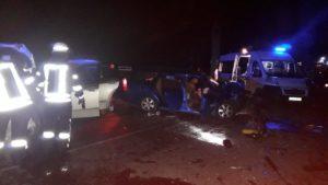 В Запорожье возле памятника Автомобилистам столкнулись легковушки: пятеро пострадавших – ФОТО