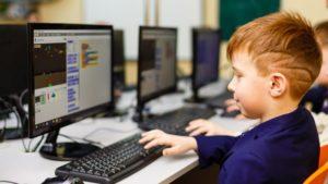 У Запорізькій області закуповують комп'ютери, меблі та дидактичні матеріали для Нової української школи