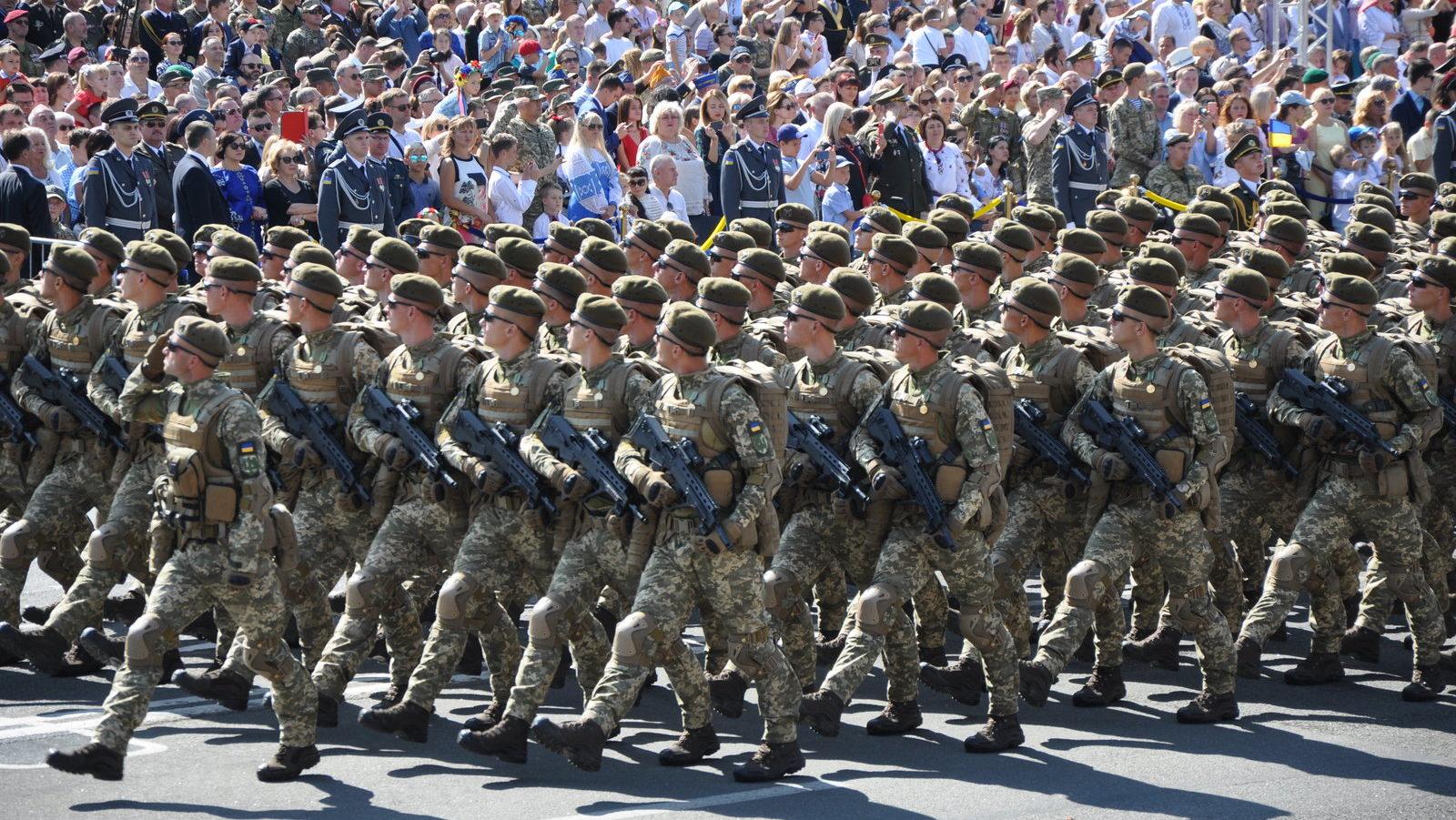 Зеленский отменил военный парад на День независимости