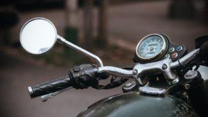 На курорті Запорізької області п'яний чоловік викрав мотоцикл і намагався сховатися від поліції - ФОТО