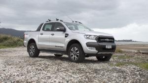 В ЗОГА объяснили, что арендовать недешевые пикапы Ford Ranger для проверки ремонтов их вынудили очень плохие дороги